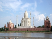 Luxurious Golden Triangle