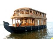 Super Students Group Package With Houseboat