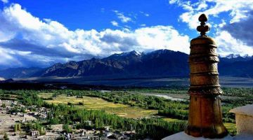 A LUXURY GETAWAY IN LADAKH TOUR