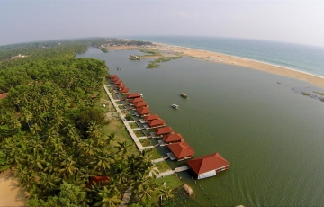 A Weekend in Floating Paradise of Poovar