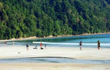 Splashing Andaman