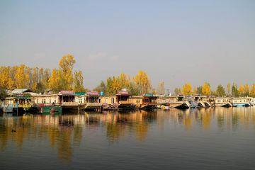 Honeymoon in Kashmir 5 Days tour