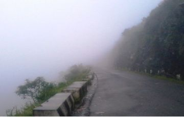 Tour of the Misty Hills of Meghalaya