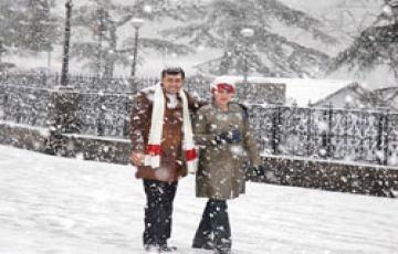Special Delhi-Agra-Shimla-Manali Honeymoon Package