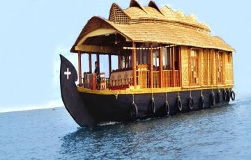 South India Temples with Backwater Trip