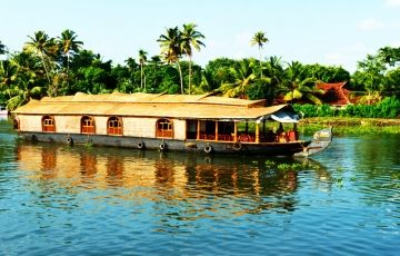 Hill station with Backwater trip of Kerala