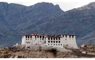 Ladakh To Srinagar Via Kargil Tour Package