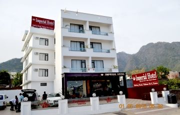 Hotel Package -Budget (Taxi Transfers, Meals & Stay)