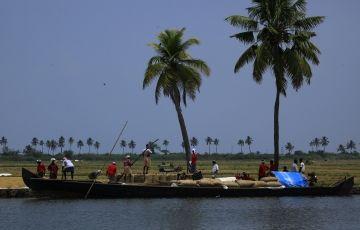 Deluxe Kerala Package