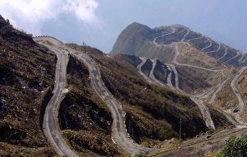 Zuluk, Tsogmo Lake & Gangtok Tour