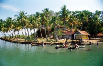 Enjoy Backwaters with Wildlife for 5 Days