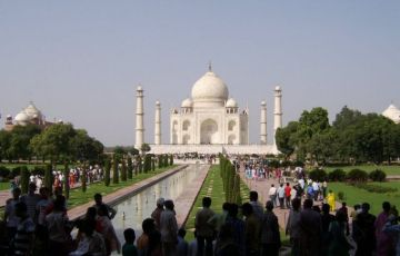 Delhi with Agra Trip