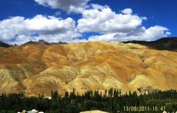 Trekking in Himalayas Tour