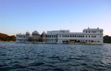 Monuments Of India Tour