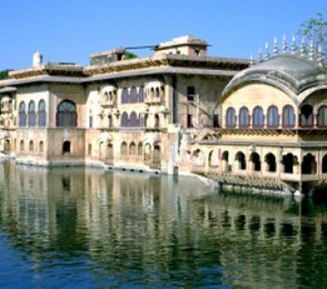 ANCIENT PALACES AND MONUMENTS AND BHARATPUR SANCTUARY TOUR P