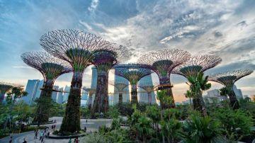 PLEASURABLE VACATION IN SINGAPORE