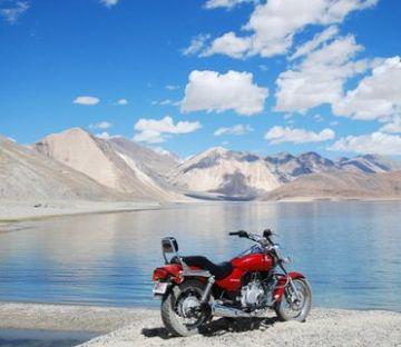 LEH WITH PANGONG LAKE AND NUBRA VALLEY MOTOR BIKE SAFARI