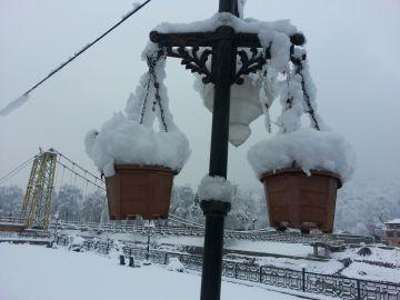 Explore Gulmarg in Winter