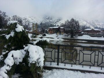 New Year in Kashmir  5 Days   Hotel Kolahoi