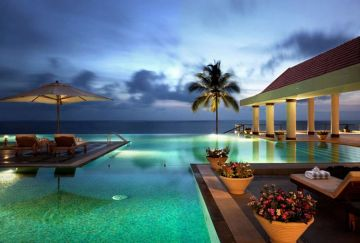 KOVALAM WHERE LOVE GETS MIXED WITH RELAXATION