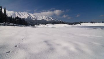 GULMARG THE CANVAS OF NATURE AWAITS THE LOVE STROKES