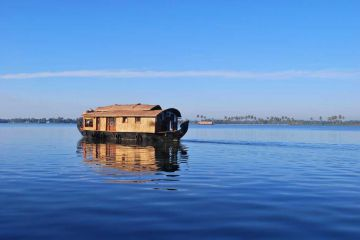 BEST PLACES TO VISIT IN SOUTH INDIA ALAPPUZHA