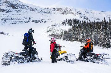 THAJIWAS GLACIER SONAMARG JAMMU AND KASHMIR THE SNOWY WONDER
