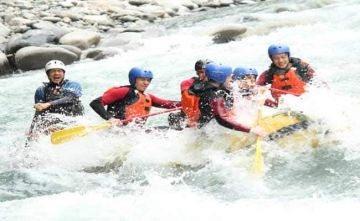 GO ON AN EXHILARATING RAFTING EXPEDITION ON CAUVERY RIVER AT