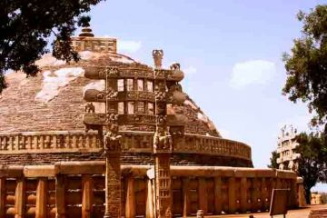 BE ENCHANTED BY OLDEST MONUMENT OF INDIA AT SANCHI