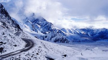 Winter Special Manali Package