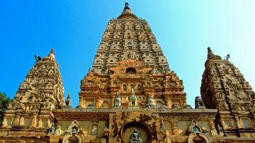 Kashi with Taj Mahal & Delhi City Tour