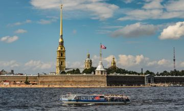 St. Petersburg Holidays