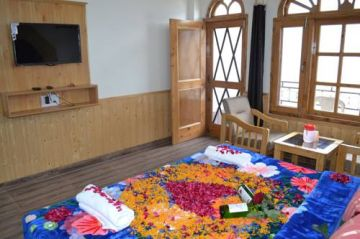 Into the Woods Shimla - Manali - Kasol Tour