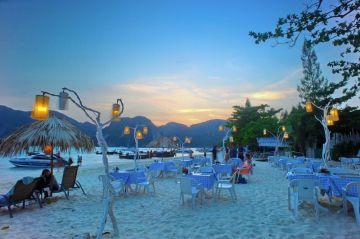 Romantic Honeymoon - 2 Night Phuket, 1 Night Phi Phi Island & 2 Night Krabi Package