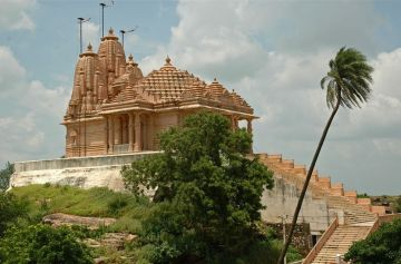 EXPLORE THE CLEANEST CAPITAL OF INDIA AND QUEEN OF SATPURA