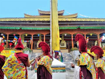 Jullay Ladakh 6 Days 5 Nights with Desert Bloom