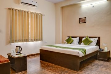 Mount Abu with Udaipur 4 Night 5 Days Holiday Package starting @ 14600 PP