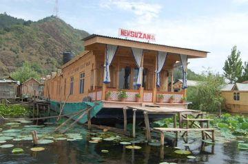 Kashimir 5 Night 6 Days Srinagar, Pahalgam,  Gulmarg Package starting at 12990