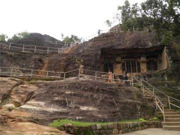 Indore Ujjain Bhopal Pachmari Kanha Jabalpur 8 Night 9 Days Luxury Package