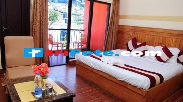 Ooty Package with Friends 3 days Trip @9999 INR | Call 9818705209|TriFete Holidays Pvt. Ltd, Versova Mumbai