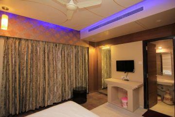 Shirdi Package From Car per person@8999 INR | Call 9818705209|TriFete Holidays Pvt. Ltd, Versova Mumbai