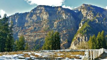 Hill Station Manali  package of 2 Nights / 3 Days
