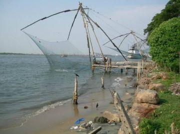 Shore & Dune Munnar & Fort Kochi Tour 2 adult & 2 kid