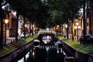 Delightful Netherlands with Paris & Brussels Honeymoon Tour Package
