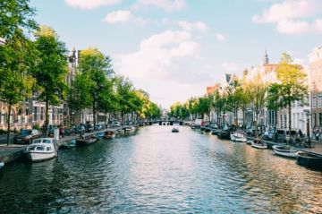 2 Nights & 3 Days Amsterdam Tour Package