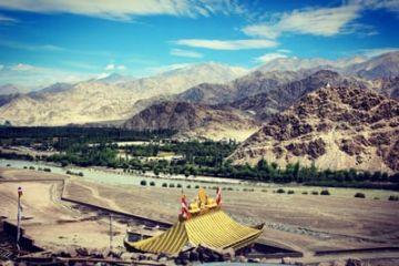 Romantic Ladakh Honeymoon Package 4 nights & 5 days