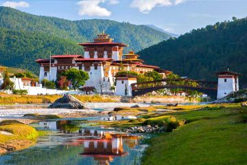 3 IN 1 PACKAGES / BHUTAN, DARJEELING, GANGTOK / HOLIDAYS TOUR  10 DAYS/ 9 NIGHTS / FOR JUST RS 34000/-