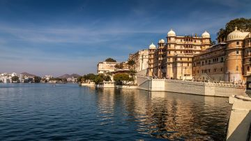 AMAZING HOLIDAY PACKAGE UDAIPUR 02 NIGHTS 03 DAYS BY CAB