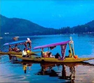 Heaven on Earth Kashmir at 13500 per person