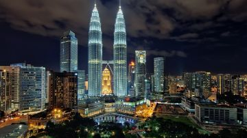 3 Night Malaysia Tour Package With Luxury Hotel